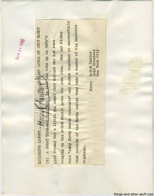 461127-rooney-garland-03c