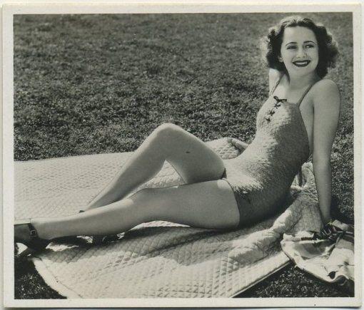 Olivia de Havilland 1939 Ardath Photocards Series 12