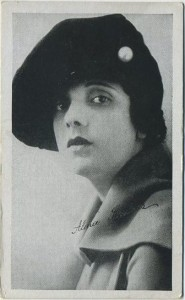 Alma Rubens 1917 Kromo Gravure Trading Card