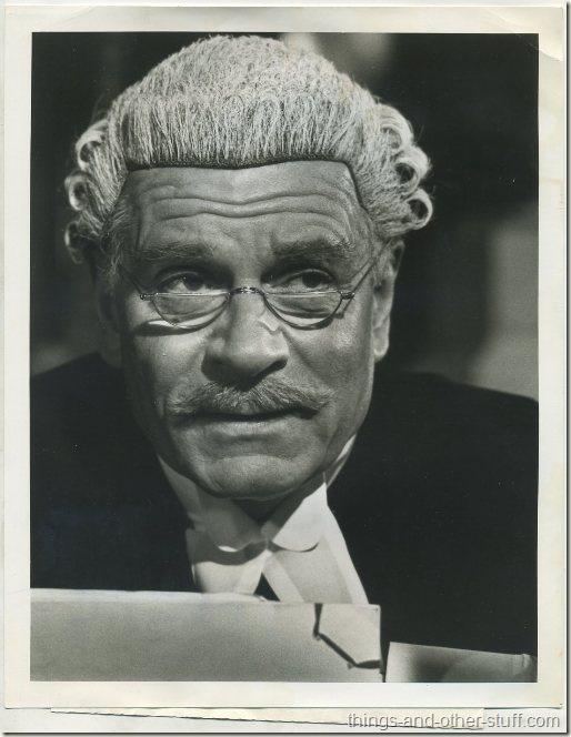 1975 Sir Laurence Olivier