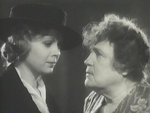 Dorothy Dell and Alison Skipworth in Wharf Angel