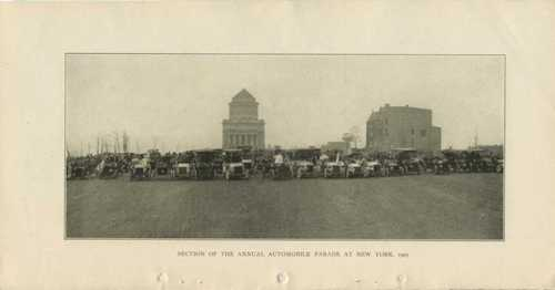 Section of the Annual Automobile Parade at New York, 1905