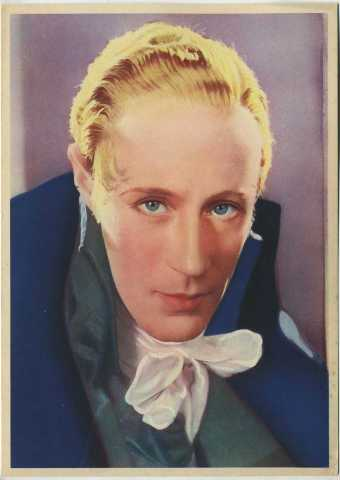 Howard on a 1936 - 1937 Nestle Large Color Card