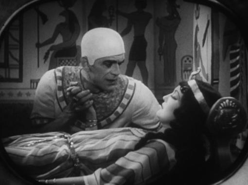 Boris Karloff and Zita Johann in The Mummy