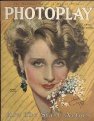 Norma Shearer on the cover of Photoplay Magazine