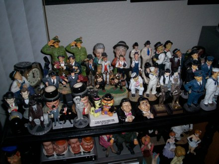 Various smaller figurines in the living room.