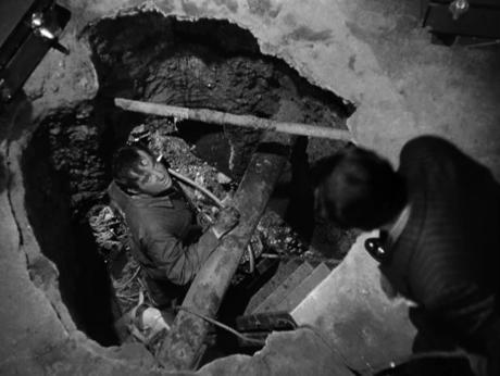 Broderick Crawford digging