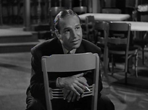 Lloyd Nolan in Johnny Apollo