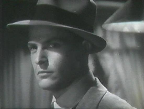 Alan Baxter in Mary Burns, Fugitive