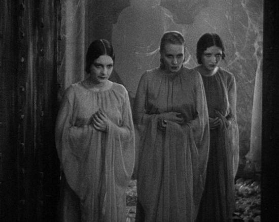 Dracula's creepy wives