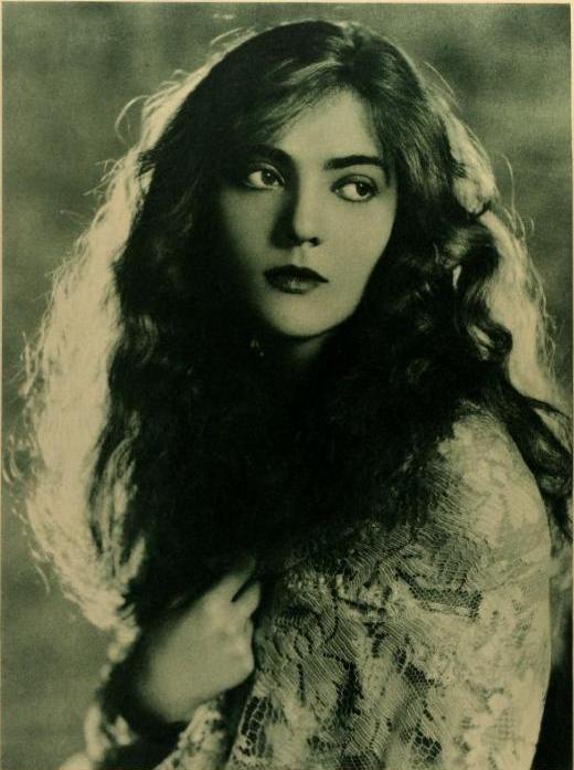Dorothy Mackaill 1923