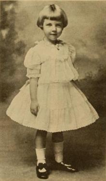 Una Merkel as a child