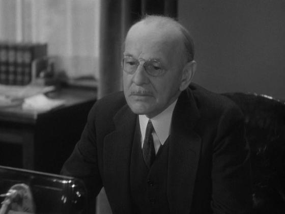Robert McWade in Heroes for Sale