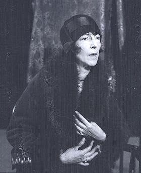 Mazo de la Roche, 1927