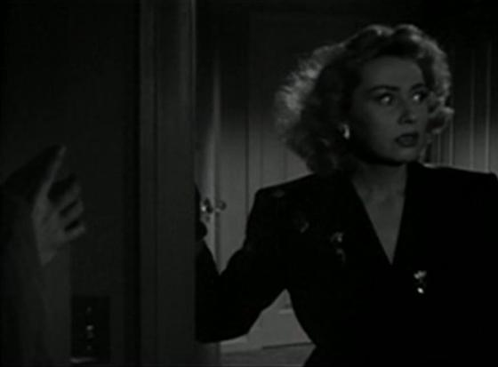 Joan Blondell in The Bride Came COD