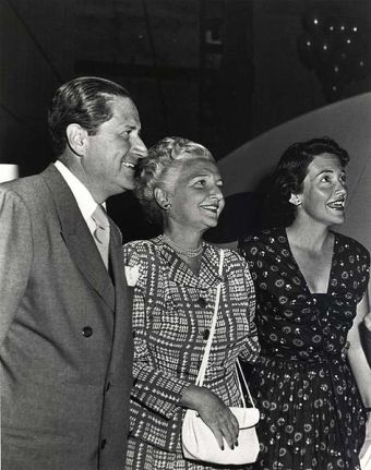 The Davis Family, Loyal, his wife, the former actress Edith Luckett, and step-daughter Nancy, later the First Lady of the United States