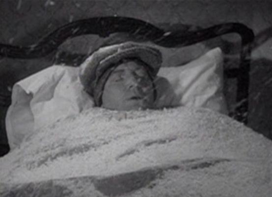 Frank McHugh in Snowed Under