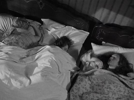 Scene from Gold Diggers of 1933