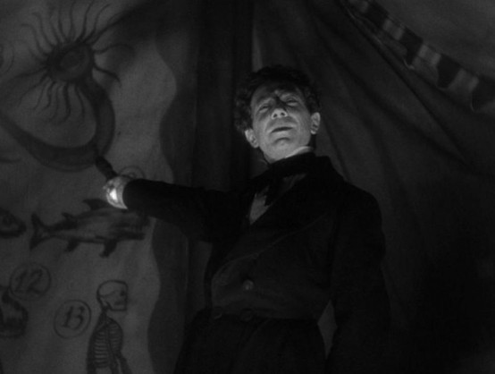 Bela Lugosi in Murders in the Rue Morgue