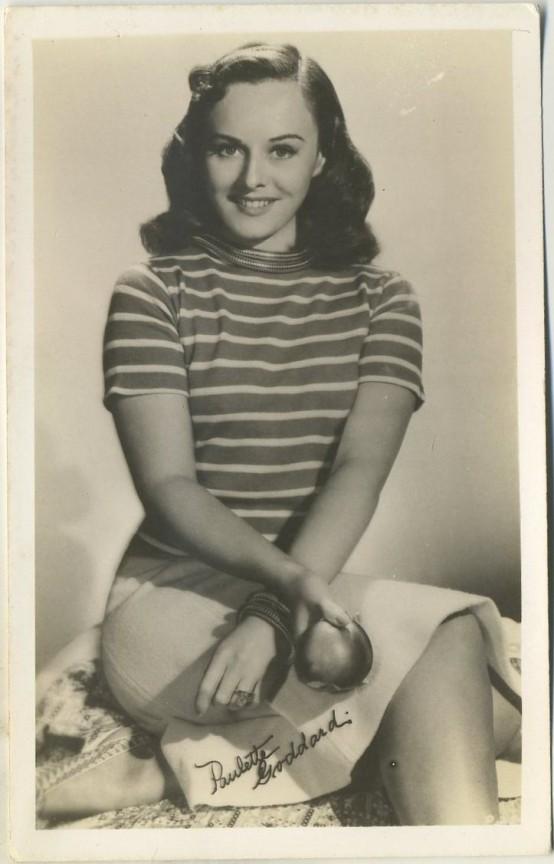 Paulette Goddard 1940s EKC Postcard