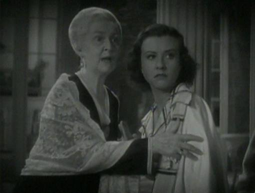 Helen Lowell and Margaret Lindsay