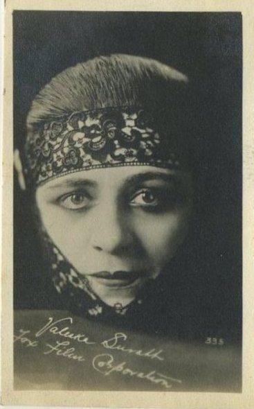 Valeska Suratt 1910s Kinema Theatre Trading Card