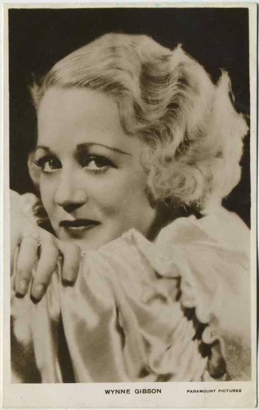 Wynne Gibson 1930s Picturegoer Postcard