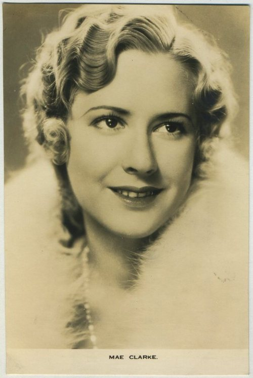 Mae Clark Film Weekly Postcard