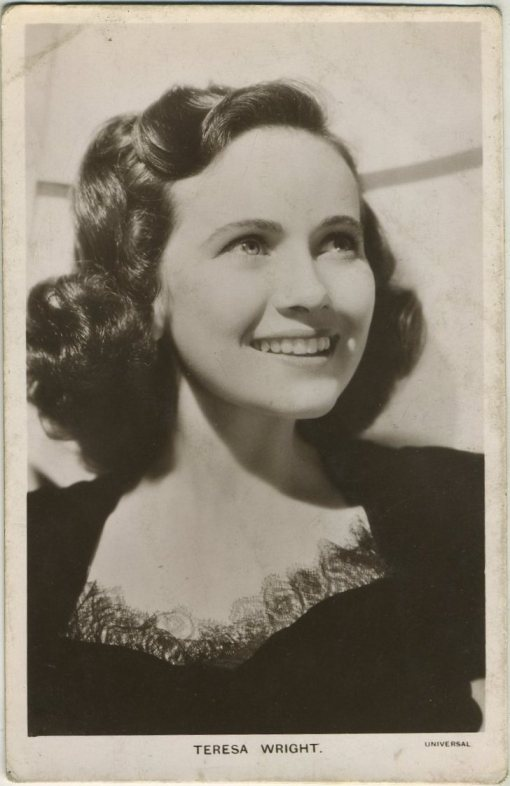 Teresa Wright 1940s Picturegoer Postcard