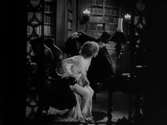 Helen Twelvetrees in The Cat Creeps